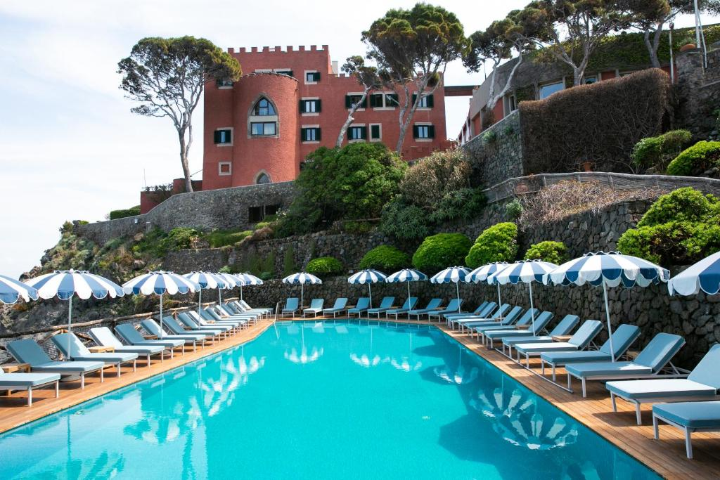 The swimming pool at or close to Mezzatorre Hotel & Thermal Spa