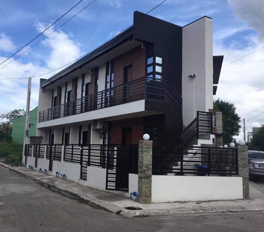 Studio Apartment Prices: Lucena Transient Studio Apartment Near SM, Ilayang Dupay