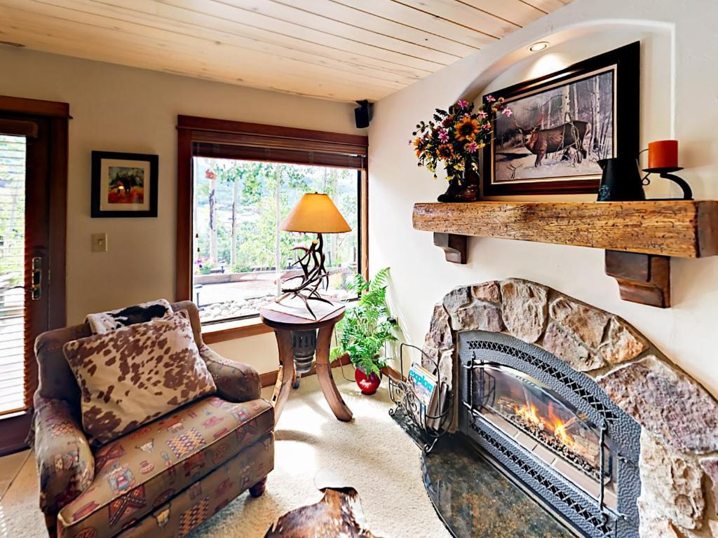 1800 Burgess Creek Rd 103 Condo, Steamboat Springs – Updated
