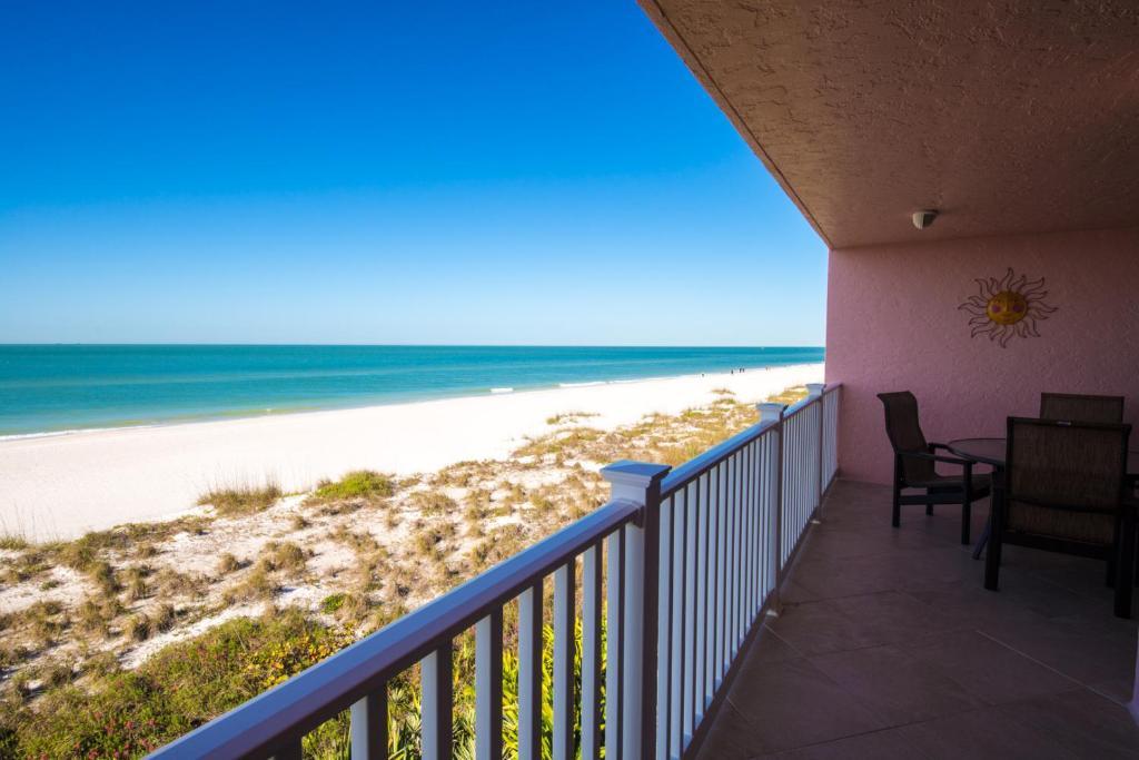 Anna Maria Island Club Unit 22 Condo, Bradenton Beach, FL - Booking com