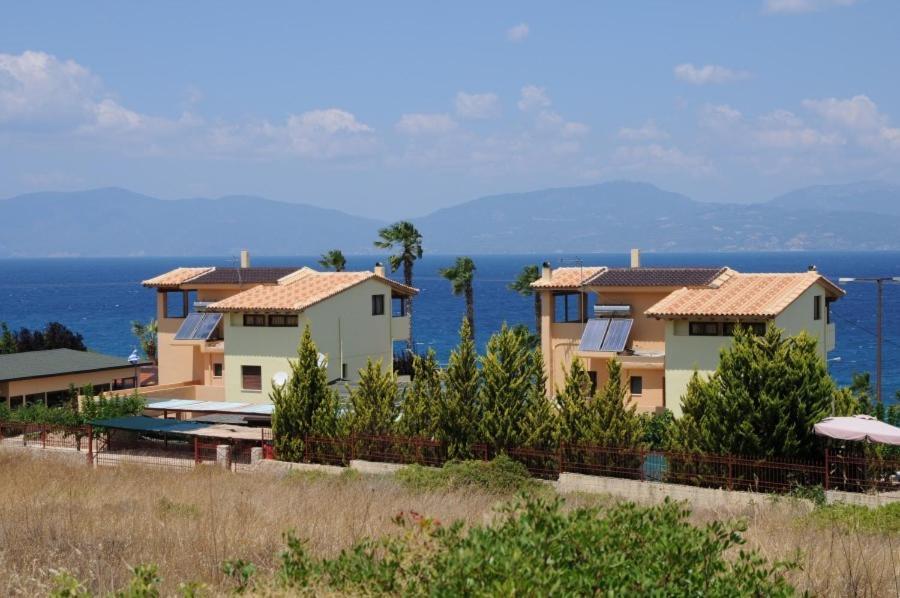 Вилла у моря остров Теологос