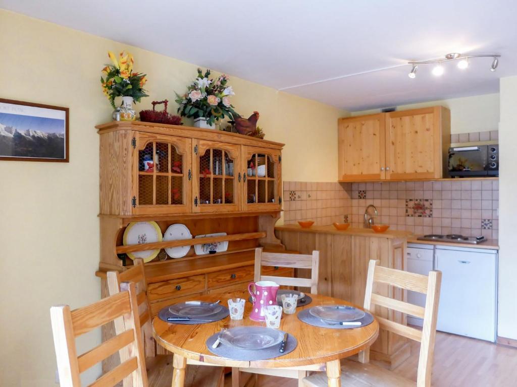 Apartment Le Pramouny.1にあるキッチンまたは簡易キッチン