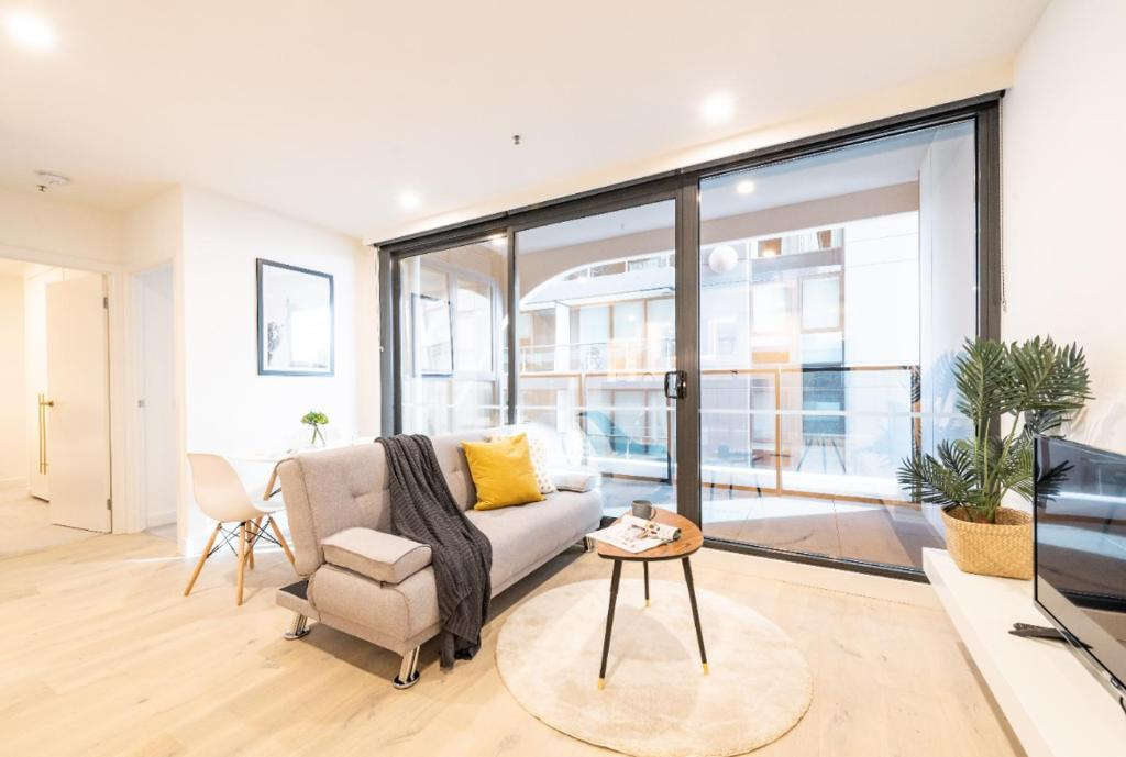 . Apartment Modern Comfort Perfect Location 2B2B1P ST Kilda Rd