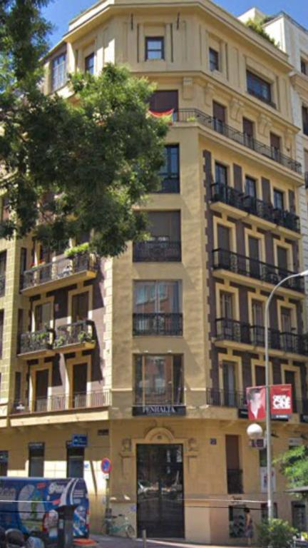 Piso enorme en barrio salamanca, Madrid – Updated 2019 Prices