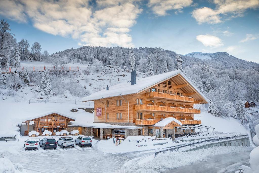 Hotel Reuti during the winter