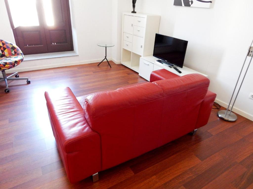 A television and/or entertainment center at Apartamento Familiar Barrio Antiguo 2.3