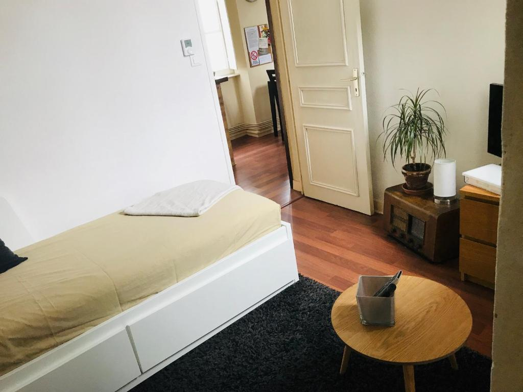 Un ou plusieurs lits dans un hébergement de l'établissement T2 centre ville Mâcon et proche Gare
