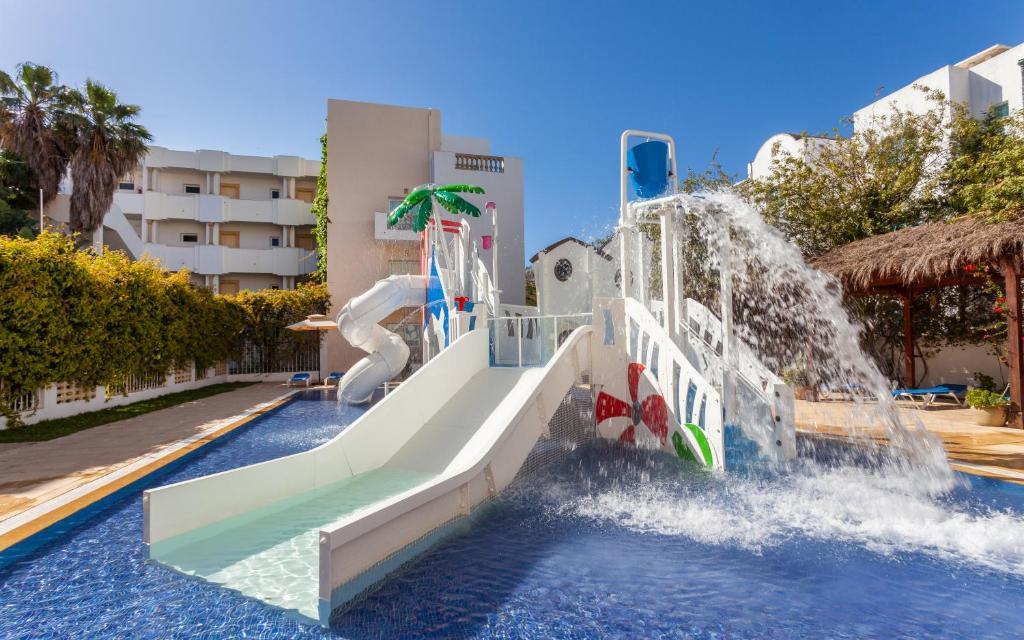 Ūdens atrakciju parks dzīvokļu viesnīcas tuvumā