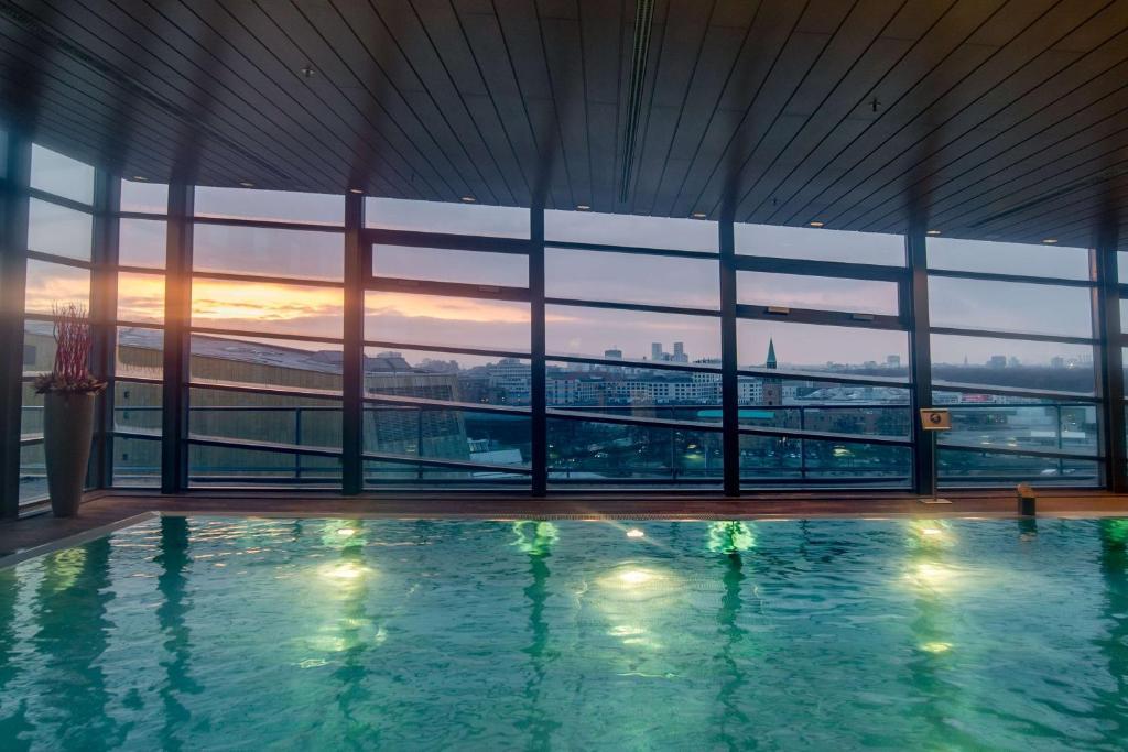 The swimming pool at or close to Grand Hyatt Berlin