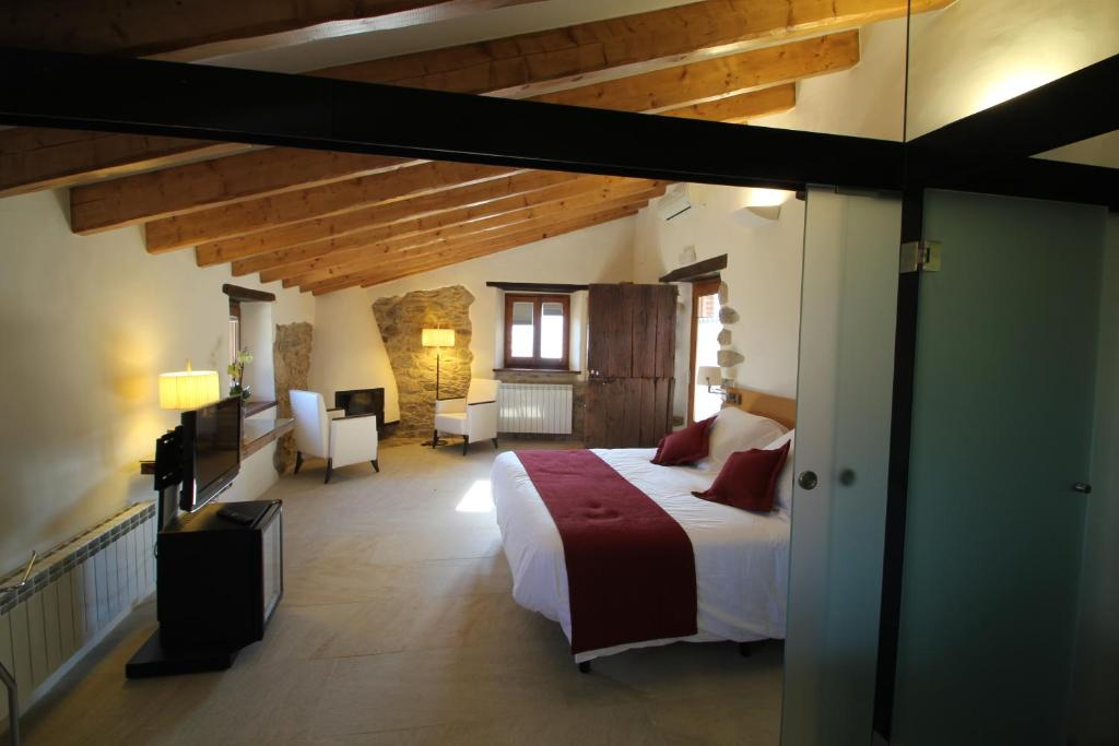 boutique hotels in cánoves  7