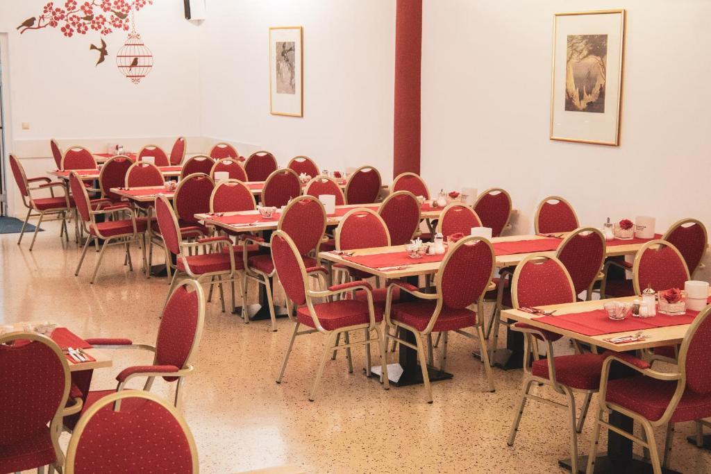 Hotel Le Village Deutschland Winnenden Booking Com