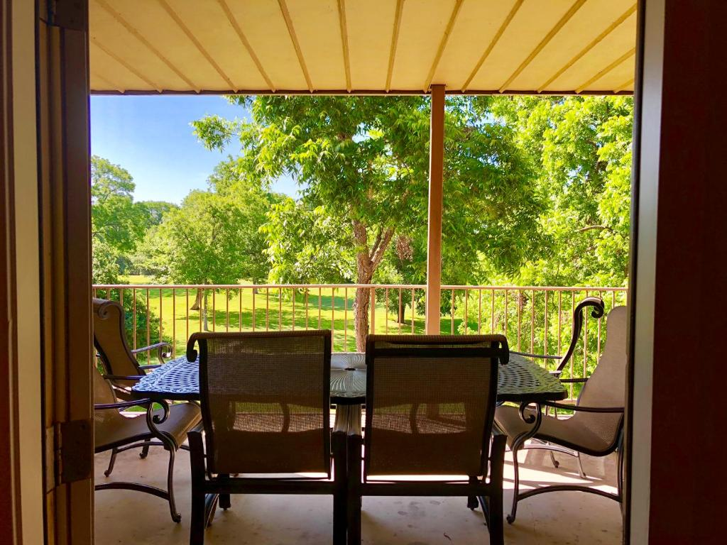 Apartment Rose' River Retreat, New Braunfels, TX - Booking com
