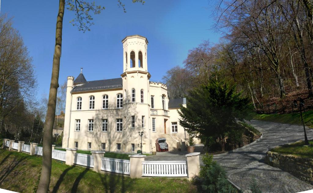 Villa Falkenstein villa rosenburg thale germany booking com