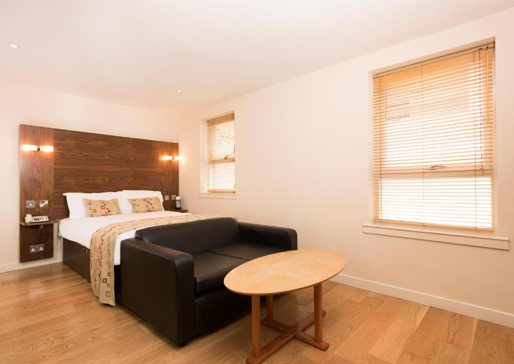 ホリルード アパート ホテル(Holyrood Aparthotel)