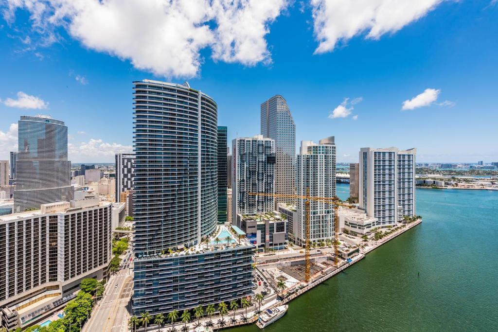 icon brickell apartments, miami, fl - booking