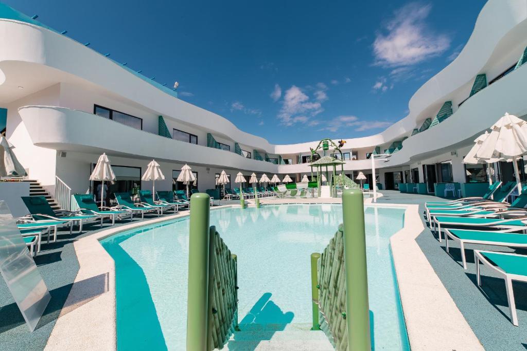 Club Hotel BORA-BORA