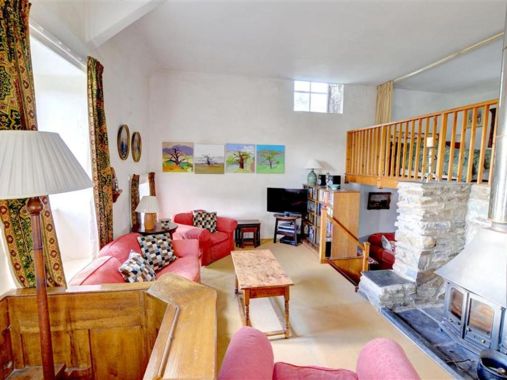A seating area at Holiday Home Llanfachreth