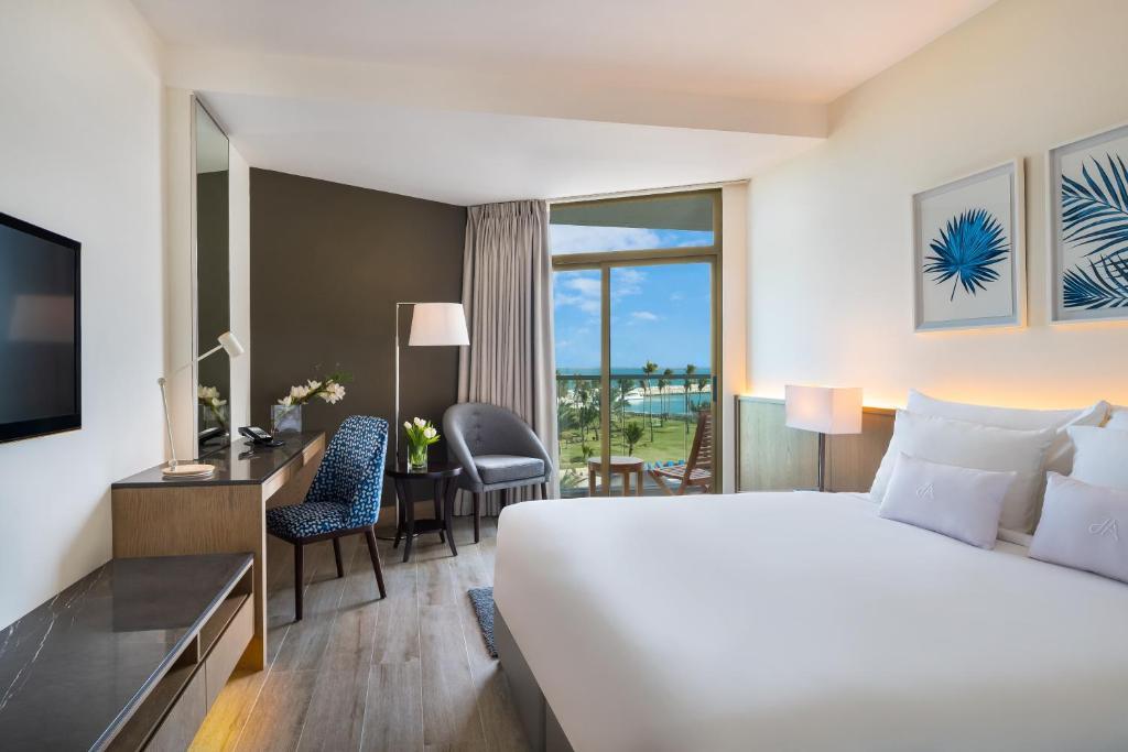 JA Beach Hotel, Dubai, UAE - Booking com