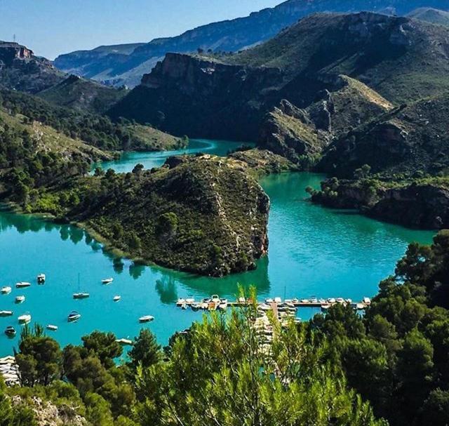 Casa de campo en Lago Bolarque. Playa y piscinas ...