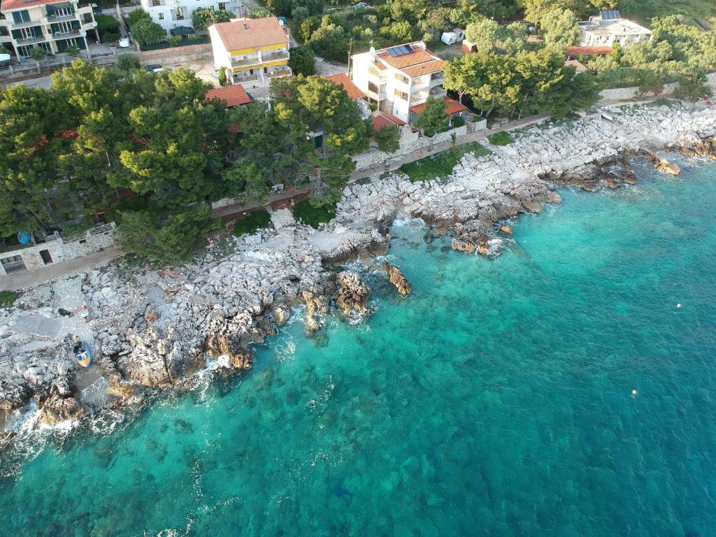 A bird's-eye view of Apartments Dunja Hvar