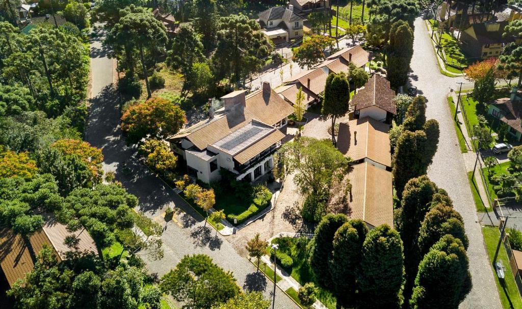Blick auf Vila Suzana Parque Hotel aus der Vogelperspektive