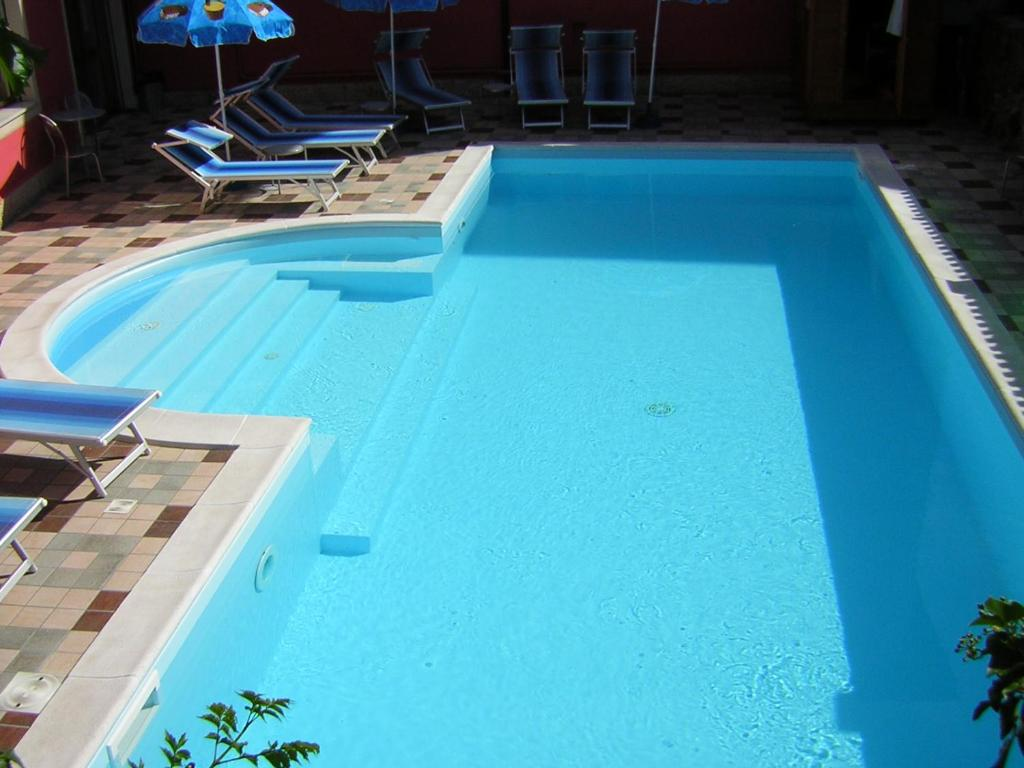 A view of the pool at Albergo Neni or nearby
