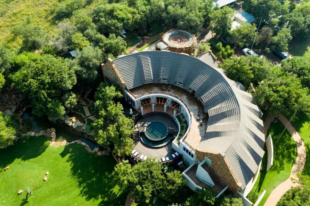 A bird's-eye view of African Pride Mount Grace Country House & Spa, Autograph Collection
