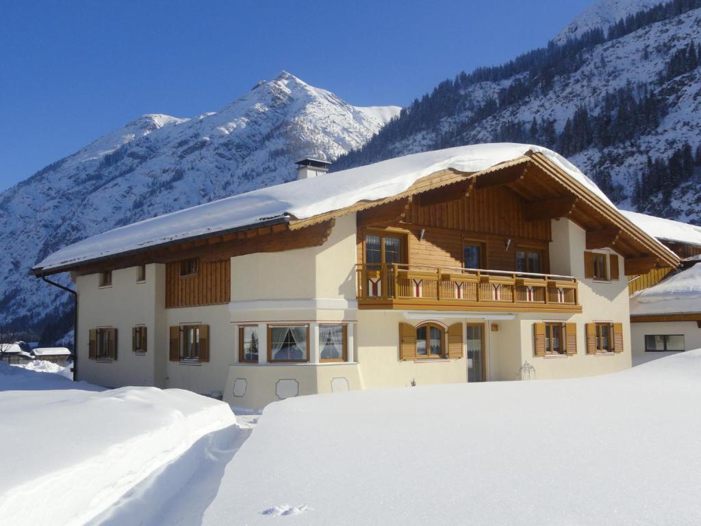 Apartment haus gaby holzgau austria for Apartment haus