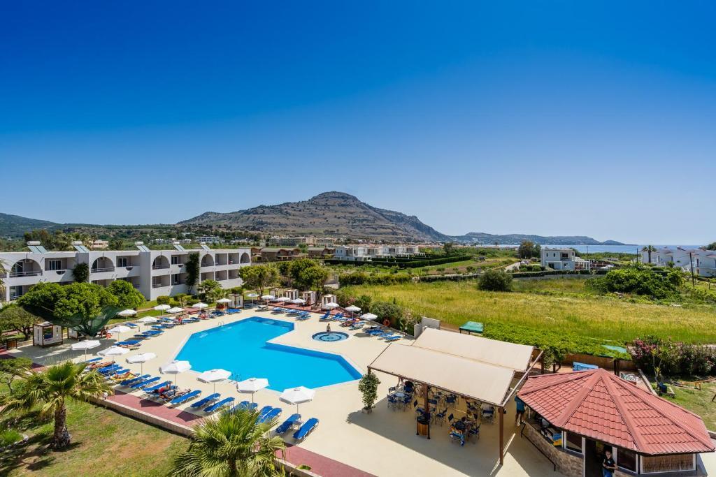 Vista sulla piscina di Lardos Bay o su una piscina nei dintorni