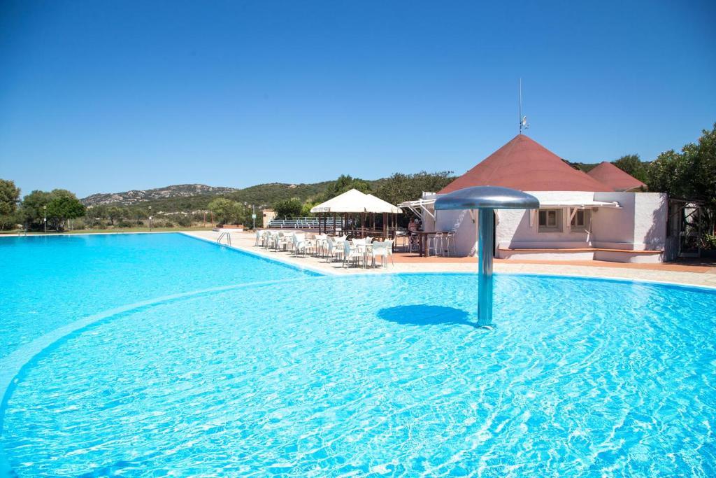 Het zwembad bij of vlak bij Cugnana Porto Rotondo Bungalows - Camping