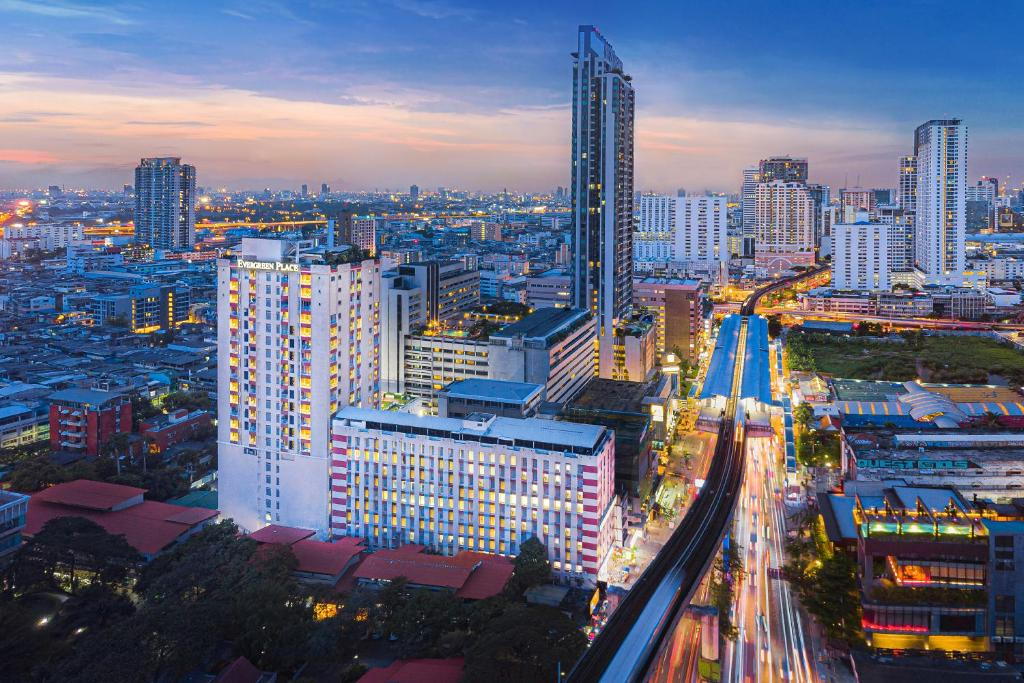 A bird's-eye view of Evergreen Place Siam by UHG