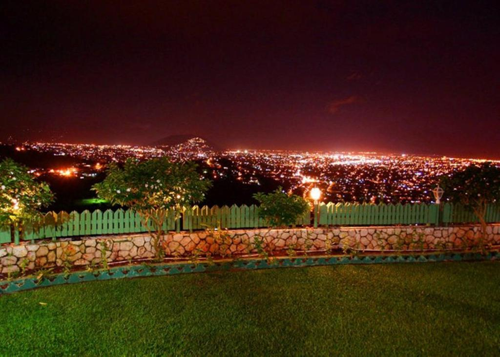 Rooms: City View Hotel, Kingston, Jamaica