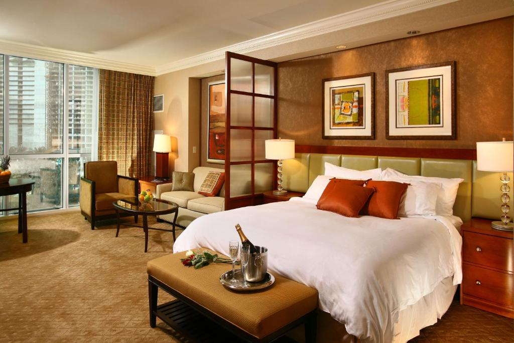 Luxury Suites International At The Signature Las Vegas