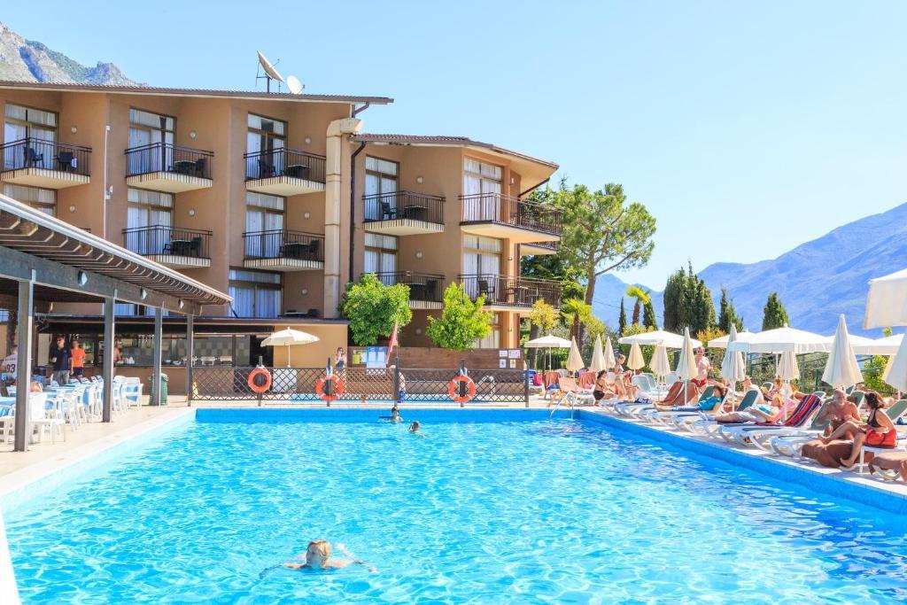 Hotel Leonardo Da Vinci Italien Limone Sul Garda Booking Com