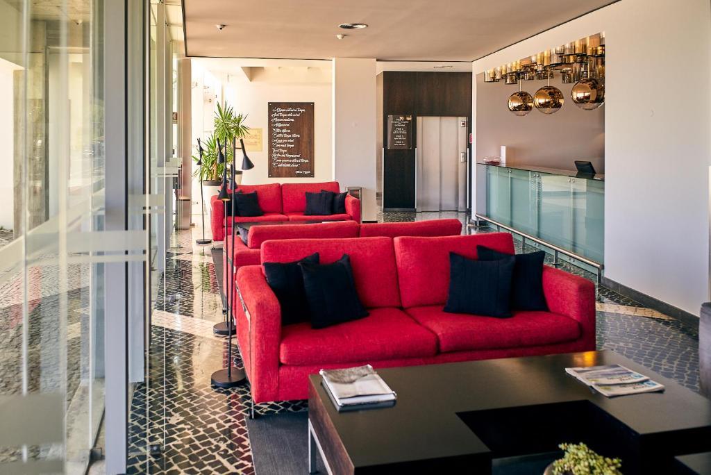 A seating area at Hotel Praia Marina