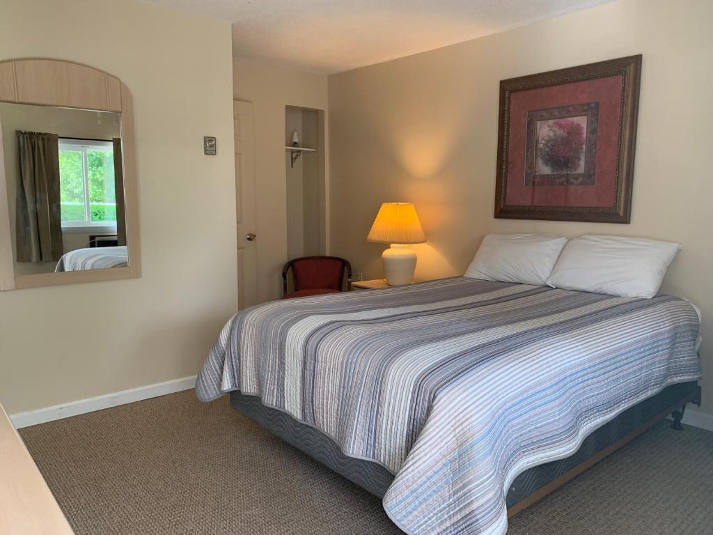 Green Acres Motel | 1515 Main St, La Crosse, KS, 67548 | +1 (785) 222-2532