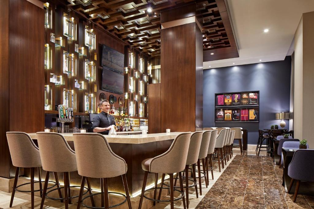 The lounge or bar area at Hotel Adagio, Autograph Collection