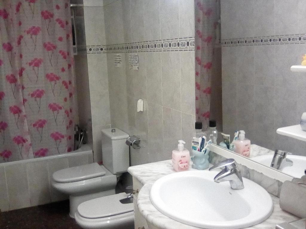 Bathroom sa Habitación privada para una persona