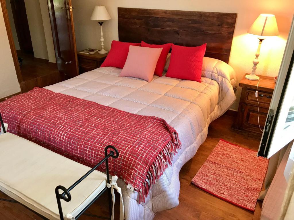 La casa de la cañada, Navahondilla – hinnad uuendatud 2019