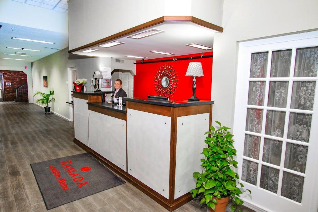Hotel Ramada by Wyndham Lewiston, ME - Booking.com