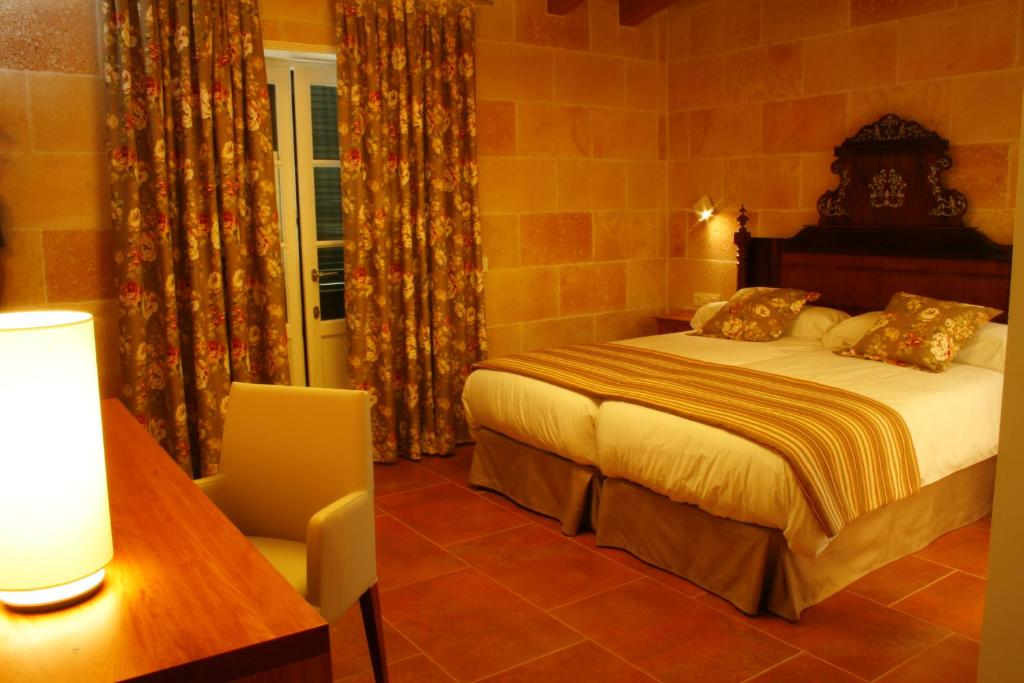 boutique hotels menorca  80