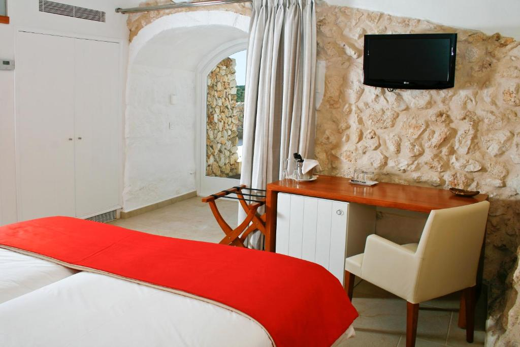 boutique hotels menorca  216