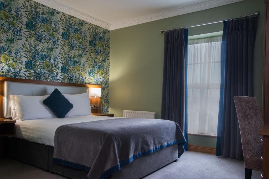 Holyrood Hotel - Leisure Centre & Escape Spa 객실 침대