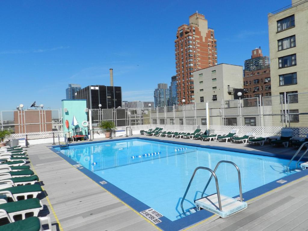 A piscina em ou perto de The Watson Hotel