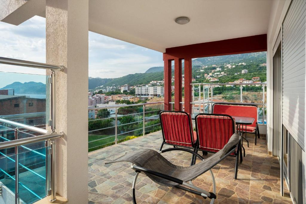 Apartments Vila A1 Montenegro Dobra Voda Booking Com