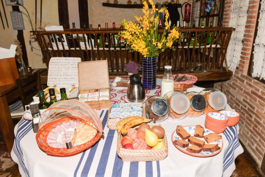 Breakfast options available to guests at Etxeberri Ostatua