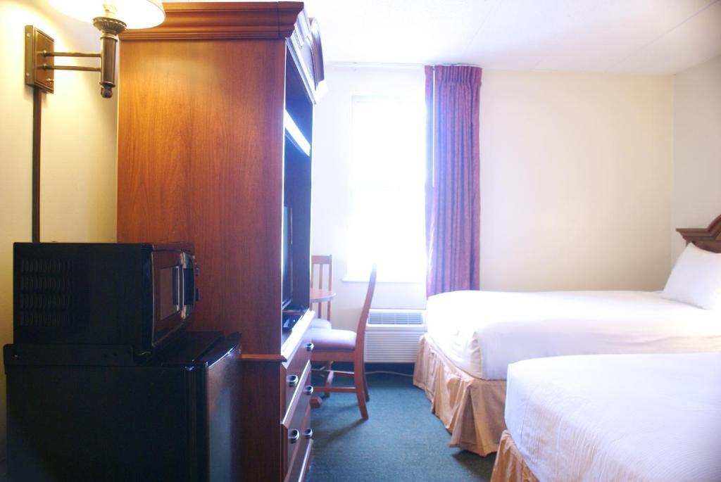 Inns of Virginia Falls Church