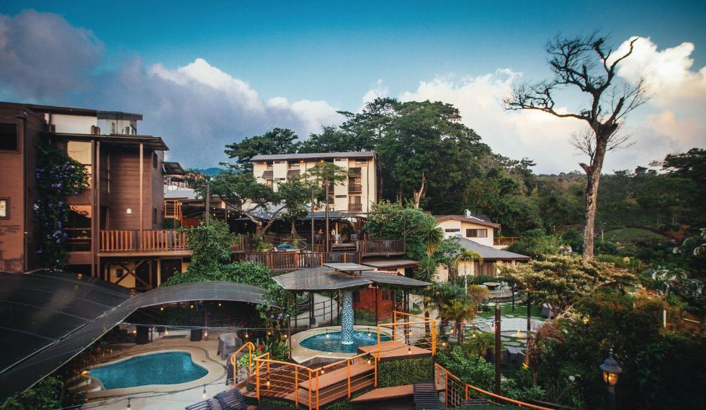 Vista de la piscina de Hotel & Spa Poco a Poco - Costa Rica o alrededores