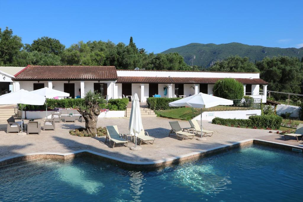 The swimming pool at or near Summer Wine Friendly Resort