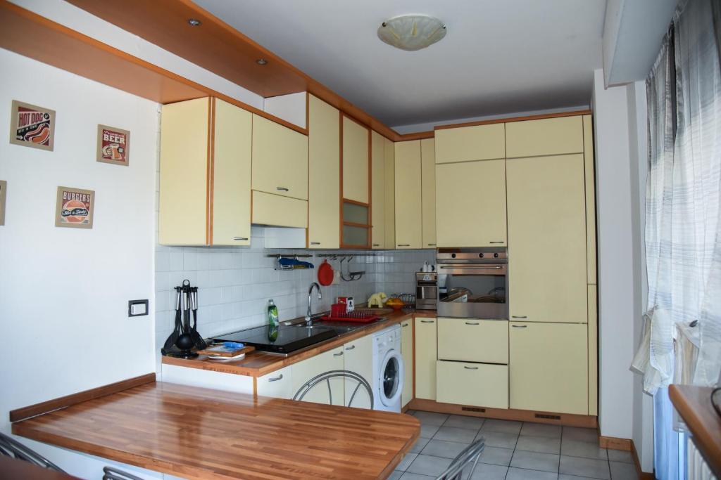 Apartment Bilocale alle porte di Milano, Buccinasco, Italy ...